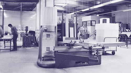 Demaac :: Design + Manufactur In Acryl GmbH Und Erfolgt Auf Höchstem  Verarbeitungs Niveau Mit Modernsten Geräten.