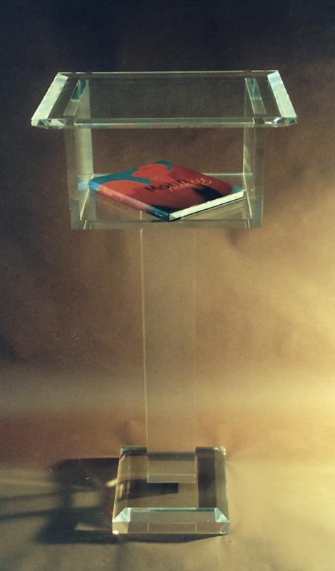 stehpulte acryl m bel m nchen ihr partner f r m bel und inneneinrichtung aus acrylglas. Black Bedroom Furniture Sets. Home Design Ideas